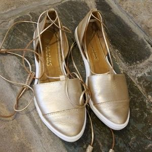 Anthropologie Kaanas  gold leather shoes